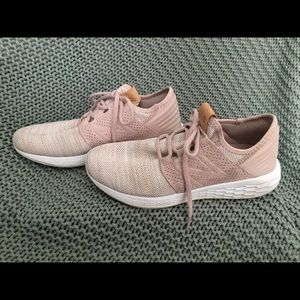 Blush new balance tennis shoes